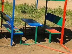 tijd-voor-een-tafel-en-stoeltje