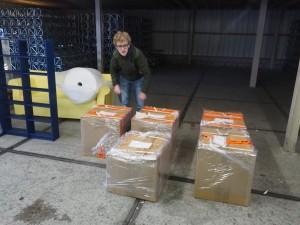 Er kan bijna niets meer bij! The container is almost stuffed to the rafters!